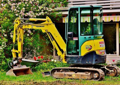 excavators-2482943_1920